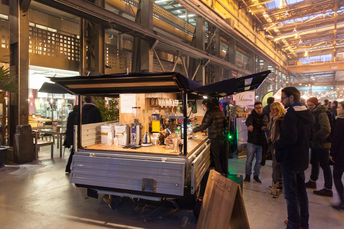 essen im stehen das street food festival das leben als gesamtkunstwerk. Black Bedroom Furniture Sets. Home Design Ideas
