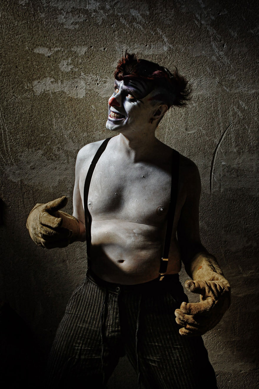 macabre-scary-clown-portraits-photography-clownville-eolo-perfid10